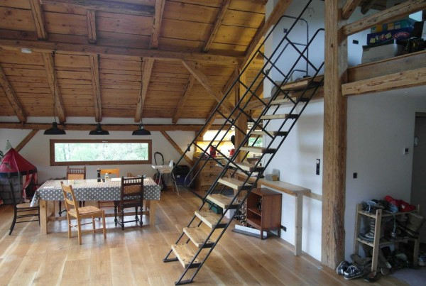 chalet-staircase-002