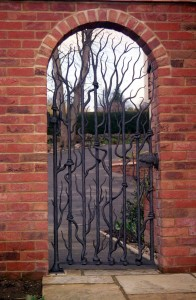 forged-tree-gate-guildford